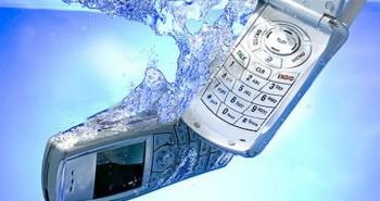 telefon suya düştü