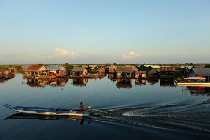 Kamboçya'da bulunan Tonle Sap Gölü