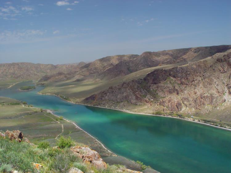 Kazakistan'da bulunan Balkaş Gölü